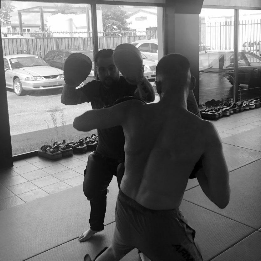 Persoonlijk training bij Team Pasztjerik Schiedam om je kickboks technieken te verbeteren..
